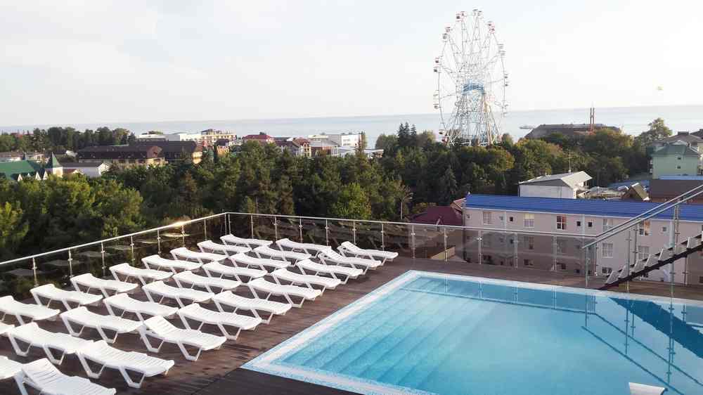 Терраса с бассейном на крыше, Сочи